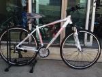 จักรยานไฮบริด TRINX รุ่น r600 สีขาวแดง
