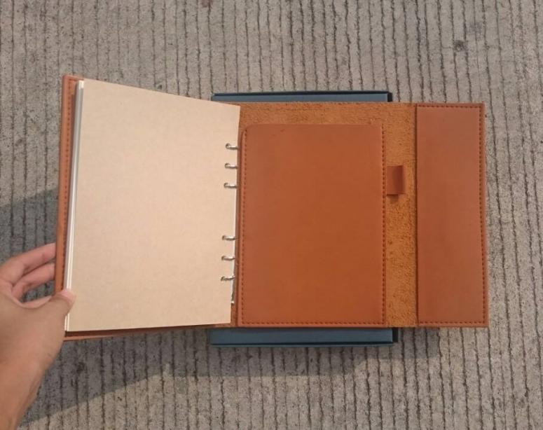 สมุดหนังแฮนเมด,Book Handmade,สมุดโน็ตทำมือ ,ไดอะรี่ปกหนัง,สมุดหนังสลักชื่อ ,สมุดปกหนัง,สมุดทำมือสลักชื่อ ,สมุดของขวัญ ,ของพรีเมียม,ของขวัญพนักงาน